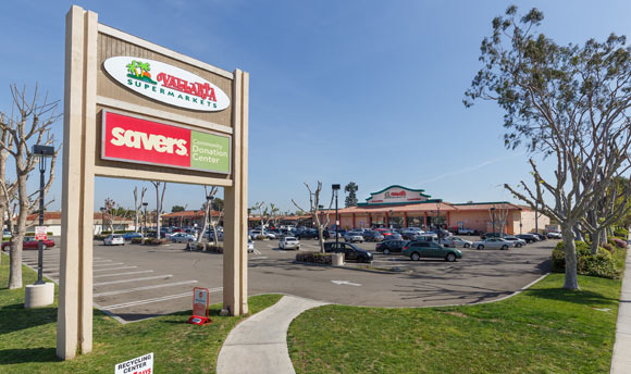 Anaheim Lincoln Shopping Center