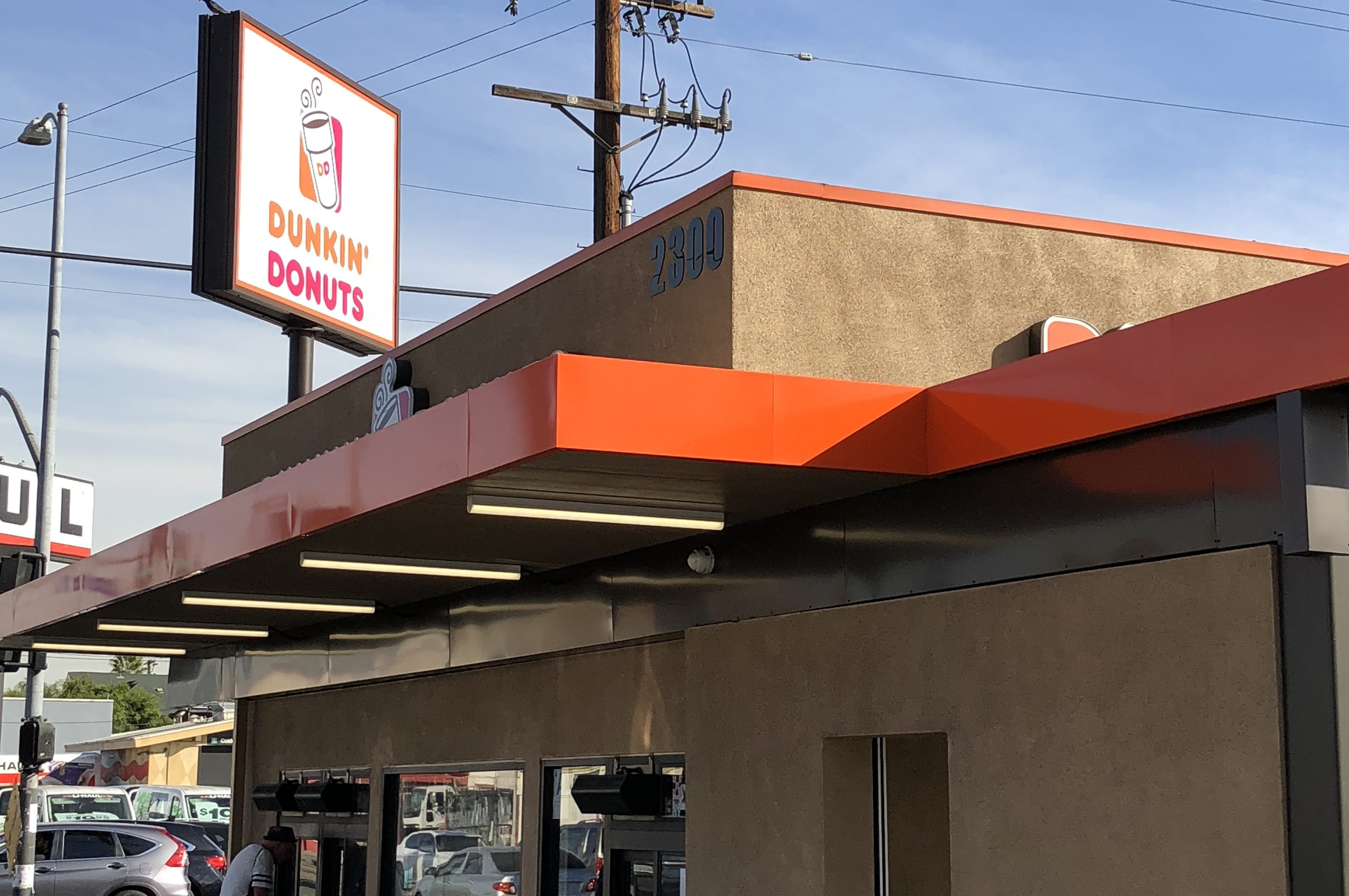 Dunkin Donuts opens at Western Plaza Shopping Center