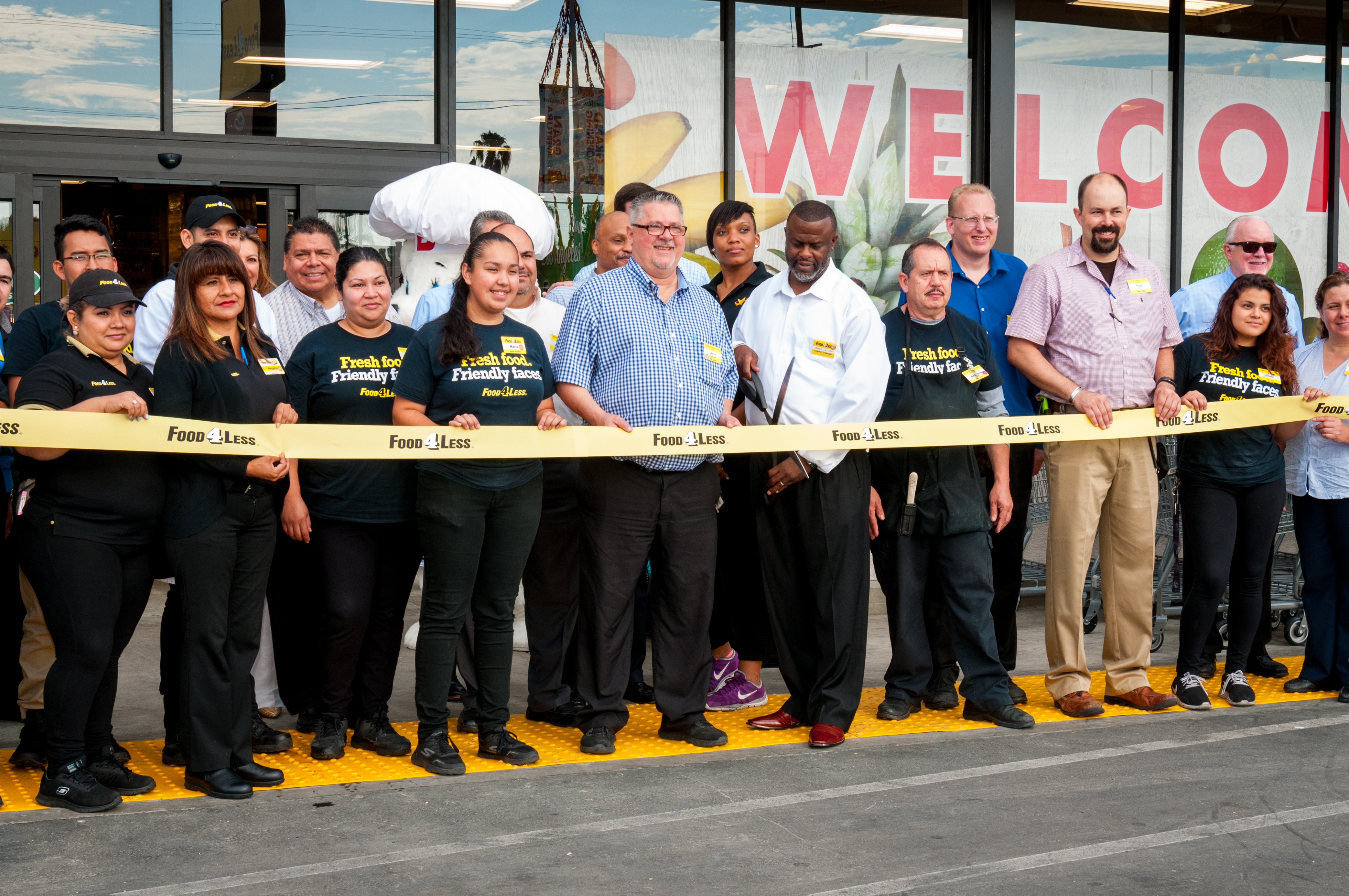 Food 4 Less Announces Reopening Celebration for Harvard Heights Location