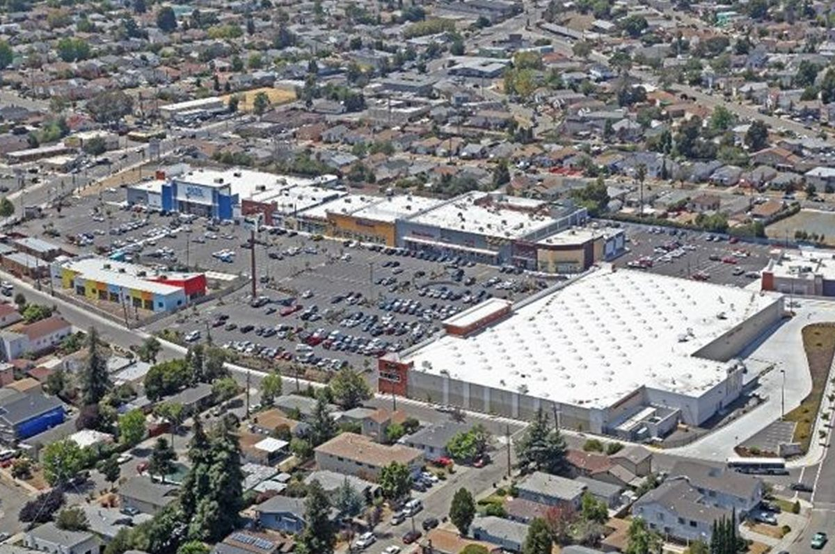 WAC and Northstar Enterprise Opportunity Fund I, LP acquire Oakland retail center